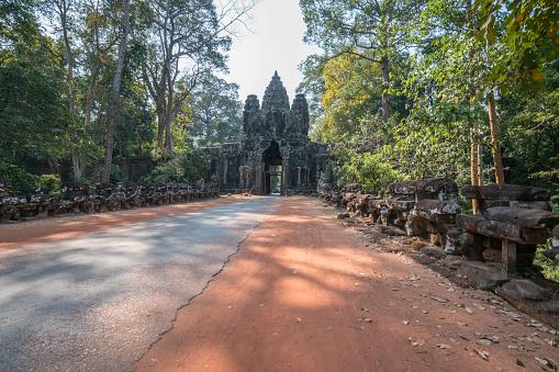 Ta Prohm Temple「Temple's gate in Angkor Wat complex, Siem Reap, Cambodia, Asia」:スマホ壁紙(12)