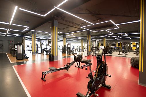 Weight Training「Sports equipment in gym」:スマホ壁紙(14)