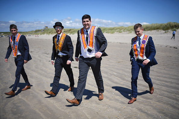 County Donegal「Members Of The Orange Order March Across The Sand At Rossnowlagh」:写真・画像(11)[壁紙.com]