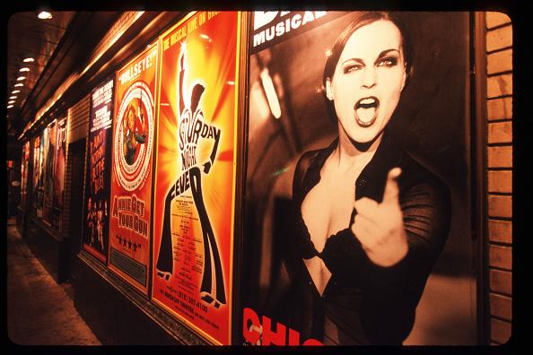 Millennium「Times Square Waits For The Millennium」:写真・画像(11)[壁紙.com]