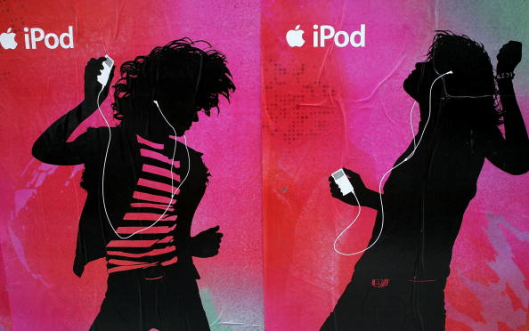 Advertisement「Apple Extends Contracts For 99 Cent Music Downloads」:写真・画像(9)[壁紙.com]