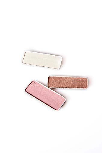 ファッション・コスメ「Three tins of makeup」:スマホ壁紙(2)