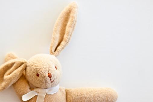 うさぎ「Stuffed bunny」:スマホ壁紙(10)