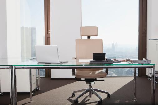 Office Chair「Germany, Frankfurt, Empty office」:スマホ壁紙(16)