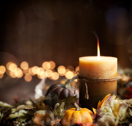 Candle「Autumn Pumpkin Wreath and Candle Background」:スマホ壁紙(10)