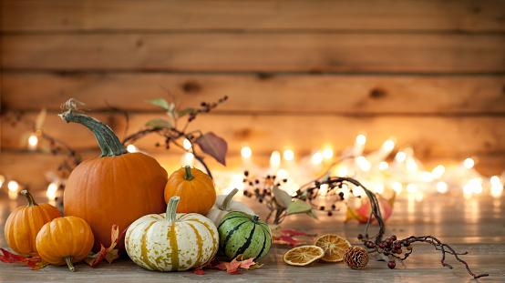 Branch - Plant Part「Autumn pumpkin arrangement on a wood background」:スマホ壁紙(1)