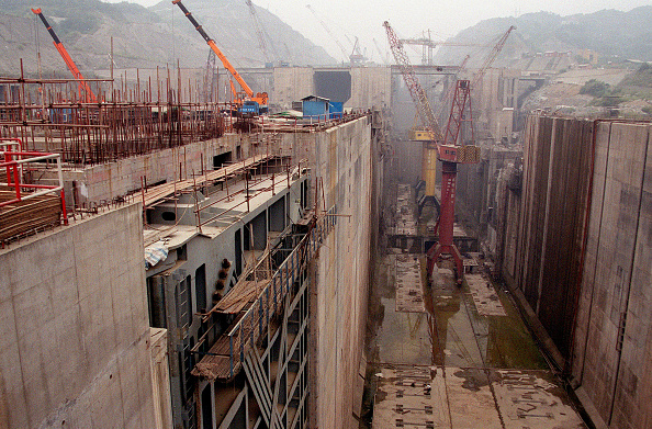 Three Gorges「Building of Three Gorges Dam in China」:写真・画像(2)[壁紙.com]