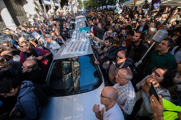 人物「Spanish Police Storm Catalan Government Buildings」:写真・画像(17)[壁紙.com]