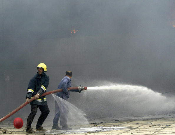 Protection「Fire Rips Through Baghdad's al-Shurja Market」:写真・画像(13)[壁紙.com]