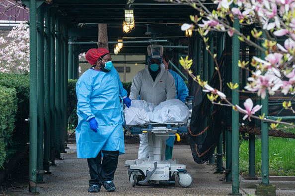 Death「Coronavirus Pandemic Causes Climate Of Anxiety And Changing Routines In America」:写真・画像(3)[壁紙.com]