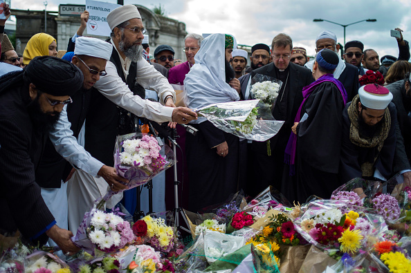 flower「Imams Send A Message Of Condemnation To Violent Extremists」:写真・画像(12)[壁紙.com]