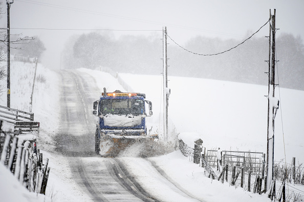 Snow「Snow And High Winds Hit Parts Of Scotland」:写真・画像(2)[壁紙.com]