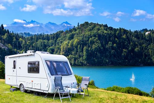 Vacations「Summer scene with Czorsztyn lake and Tatra Mountains landscape, Poland」:スマホ壁紙(8)