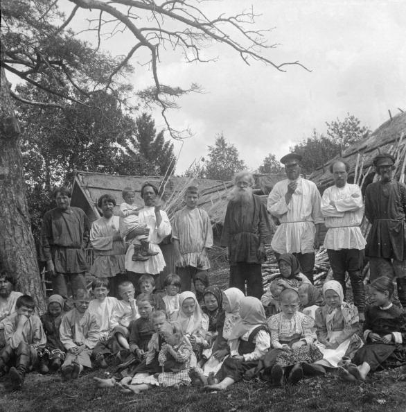 Village「Peasant Men And Children」:写真・画像(19)[壁紙.com]