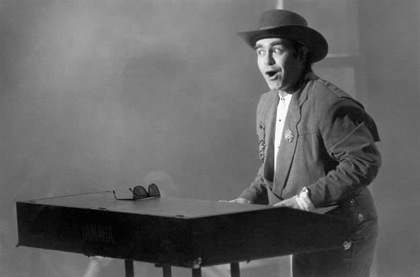 Pianist「Elton At The Keys」:写真・画像(17)[壁紙.com]