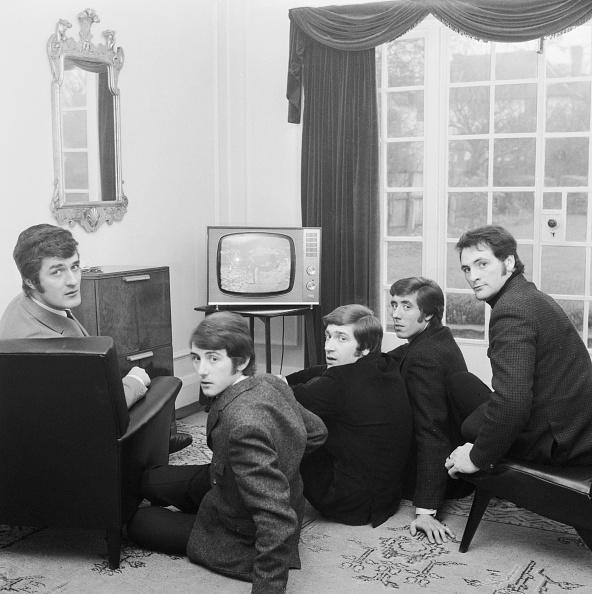 Dining Room「Moody Blues Watch TV」:写真・画像(10)[壁紙.com]