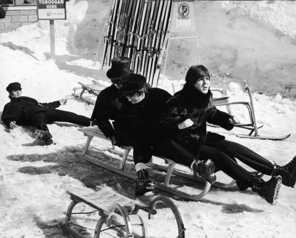 Sledding「Beatles On A Sled」:写真・画像(16)[壁紙.com]