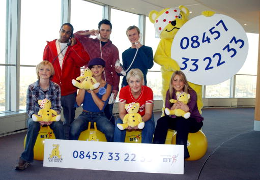 "Stuffed「S Club 7 At ""BBC Children in Need"" Donation Line Launch.」:写真・画像(19)[壁紙.com]"