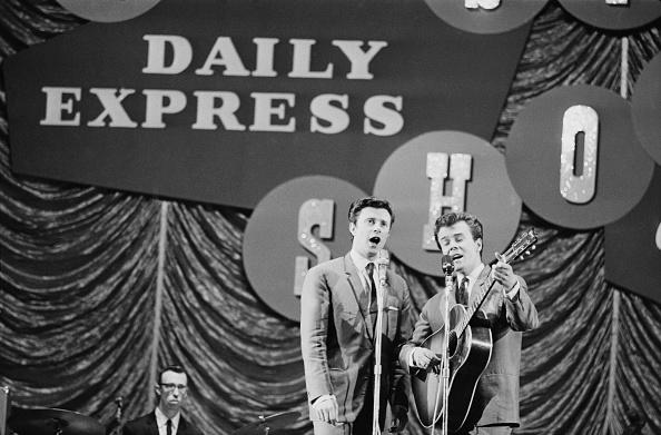 爪弾く「Daily Express Record Star Show, 1963」:写真・画像(6)[壁紙.com]