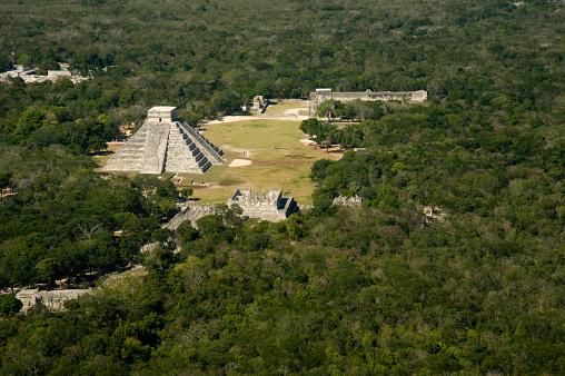 Pyramid Shape「Chichen Itza」:スマホ壁紙(17)