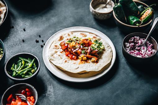 Taco「Vegan tacos with filling ingredients around in kitchen」:スマホ壁紙(4)