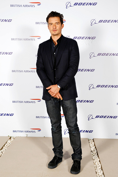 全身「Orlando Bloom, Margot Robbie & Jessie J at British Airways 787-9 Route Launch」:写真・画像(18)[壁紙.com]