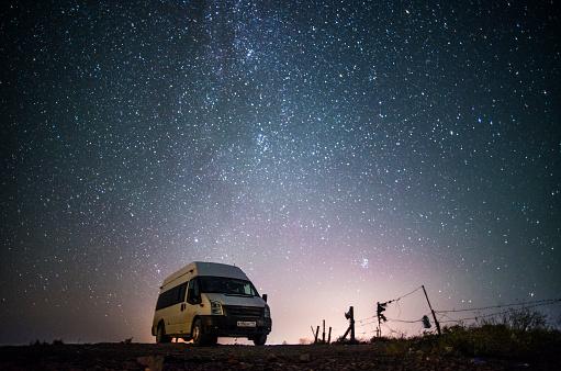 Starry sky「Camper van under starry sky」:スマホ壁紙(8)