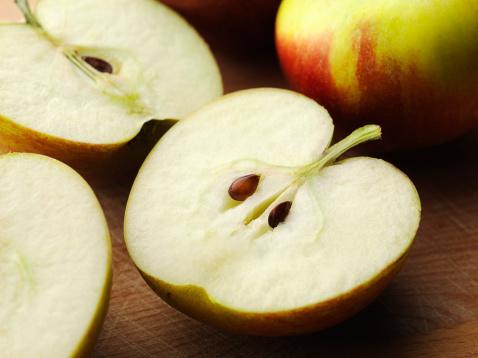 リンゴ「Apple Halves」:スマホ壁紙(2)