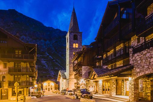 Val d'Isere「Eglise (church) de Saint Bernard de Menthon」:スマホ壁紙(5)