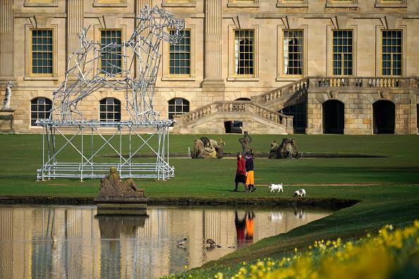 動物「Duke and Duchess of Devonshire Present Chatsworth 2019 Sculpture Exhibition」:写真・画像(6)[壁紙.com]