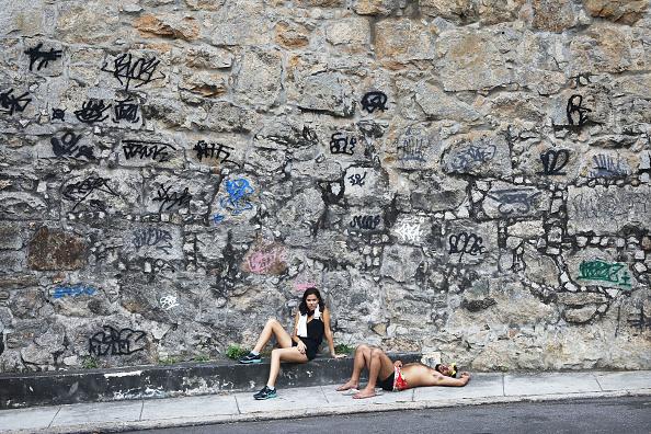 Resting「Carnival Festivities Take Over The Streets Of Rio De Janeiro」:写真・画像(9)[壁紙.com]