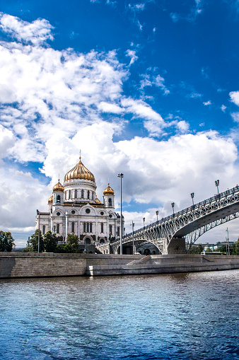 Praying「River View Of Cathedral of Christ the Saviour In Moscow, Russia」:スマホ壁紙(2)