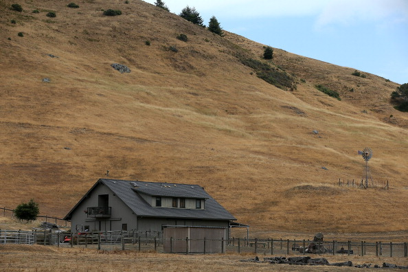 Sequential Series「Drought Turns California Landscape Brown」:写真・画像(4)[壁紙.com]