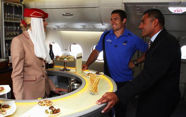 Passenger Cabin「Inaugural Emirates A380 Flight Lands At Auckland Airport」:写真・画像(8)[壁紙.com]