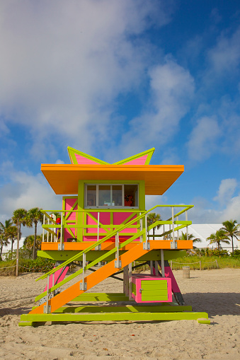 Miami Beach「Colorful lifeguard tower, Miami Beach, Florida」:スマホ壁紙(2)