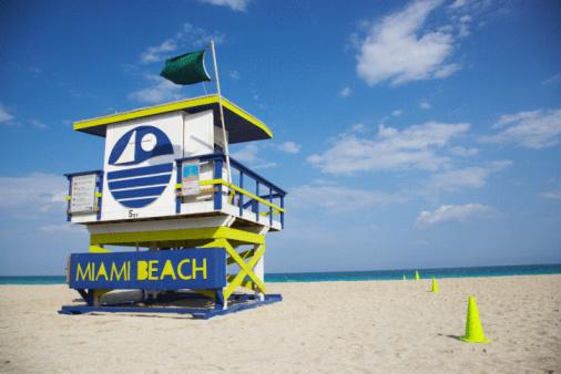 Miami Beach「Colorful lifeguard station on beach in Miami, Florida」:スマホ壁紙(14)
