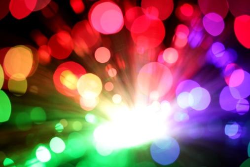 興奮「カラフルな光バースト」:スマホ壁紙(8)