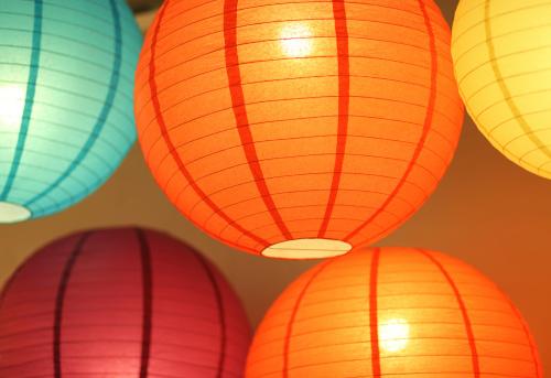 伝統的な祭り「カラフルな照明 paperlamps」:スマホ壁紙(2)