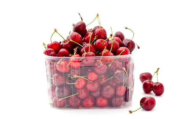 red cherries in plastic container:スマホ壁紙(壁紙.com)