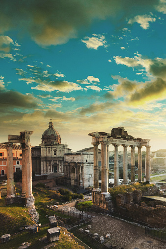 ウェスパシアヌス神殿のスマホ壁...