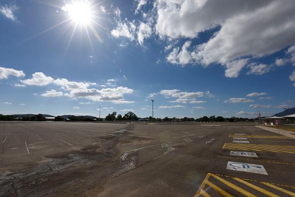Parking Lot「Queensland Increases Funding Pleadge For New Townsville Stadium」:写真・画像(6)[壁紙.com]