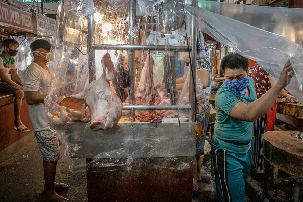 Wet「Northern Philippines Under Lockdown As The Coronavirus Continue To Spread」:写真・画像(5)[壁紙.com]