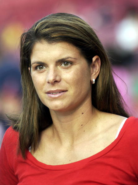 Women's Soccer「Celebrities At The Red Sox v Yankees Game」:写真・画像(11)[壁紙.com]