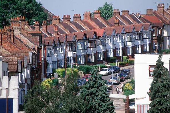 Row House「Classic British terraced housing, Wembley, North London, UK」:写真・画像(12)[壁紙.com]