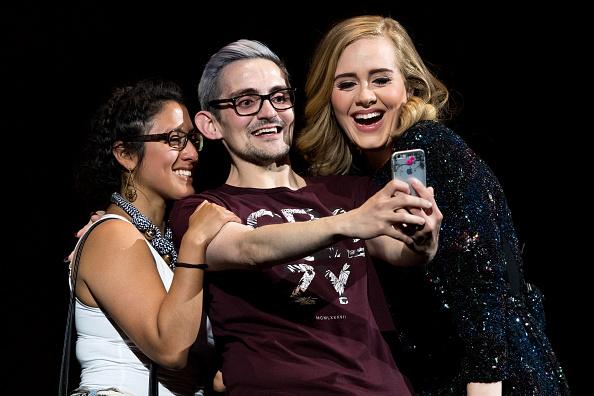 歌う「Adele Performs At Hallenstadion, Zurich」:写真・画像(8)[壁紙.com]