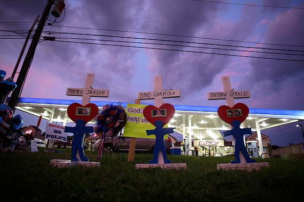 Shooting - Crime「Baton Rouge Reels In Aftermath Of Ambush Shooting Killing Three Police Officers」:写真・画像(10)[壁紙.com]