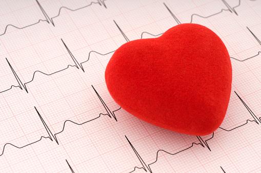 Cholesterol「Red felt heart on ECG printout」:スマホ壁紙(9)