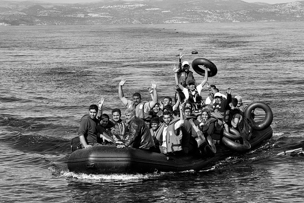 Tom Stoddart Archive「Refugees On Lesbos」:写真・画像(2)[壁紙.com]