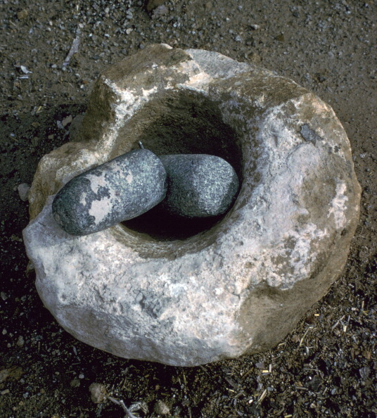 Mortar and Pestle「Quern for grinding corn, Neolithic.」:写真・画像(16)[壁紙.com]