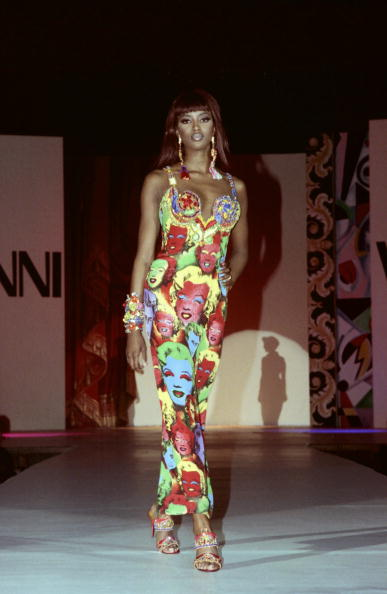 Versace - Designer Label「Stars Attend Gianni Versace Fashion Show」:写真・画像(3)[壁紙.com]